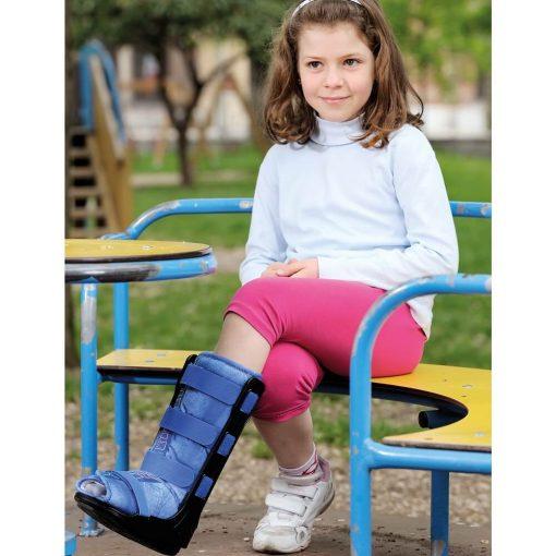 Детска ортеза за обездвижване на глезен тип ботуш