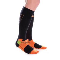 Компресиращи чорапи за спорт и пътуване