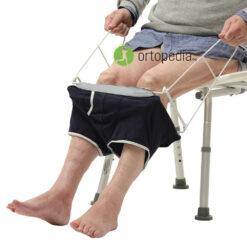 Уред за обуване на бельо от трудноподвижни